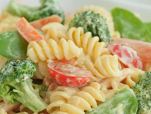 Salada de Macarrão Vegetariana - Na Cozinha com Vitória Tembe