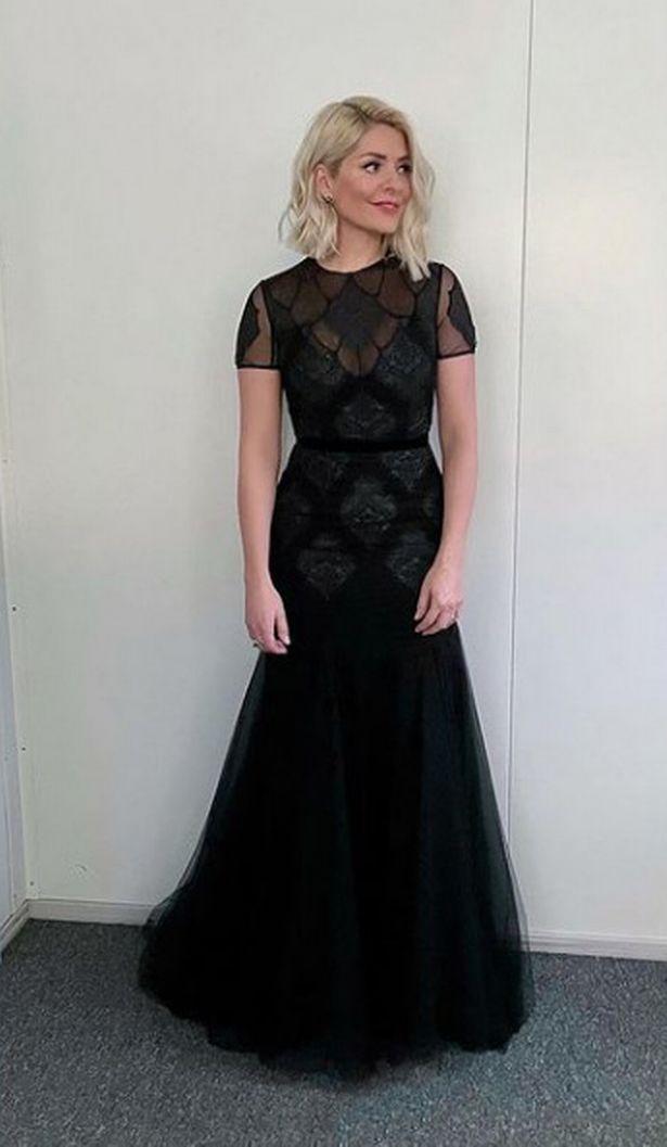0_DOI-Holly-Willoughby-dress.jpg