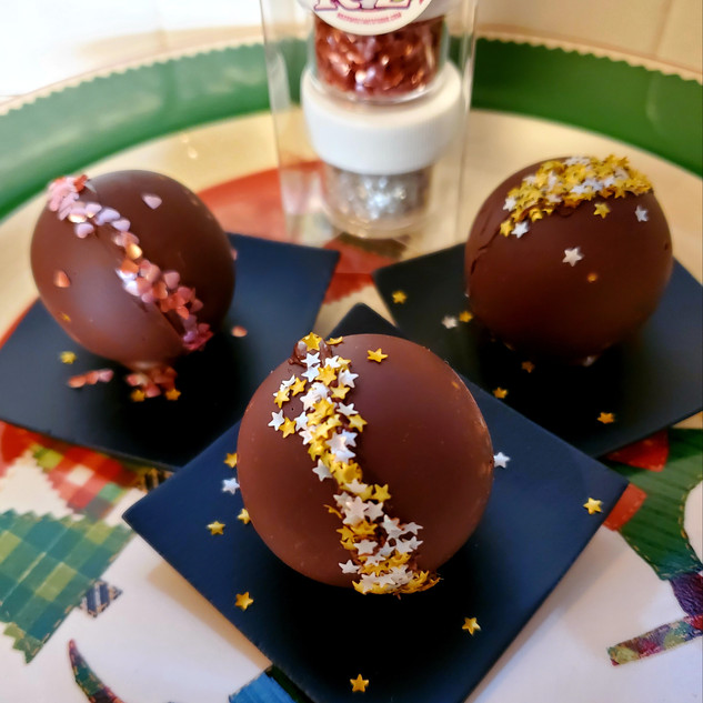 Hot Cocoa Bombs by Ro Z's