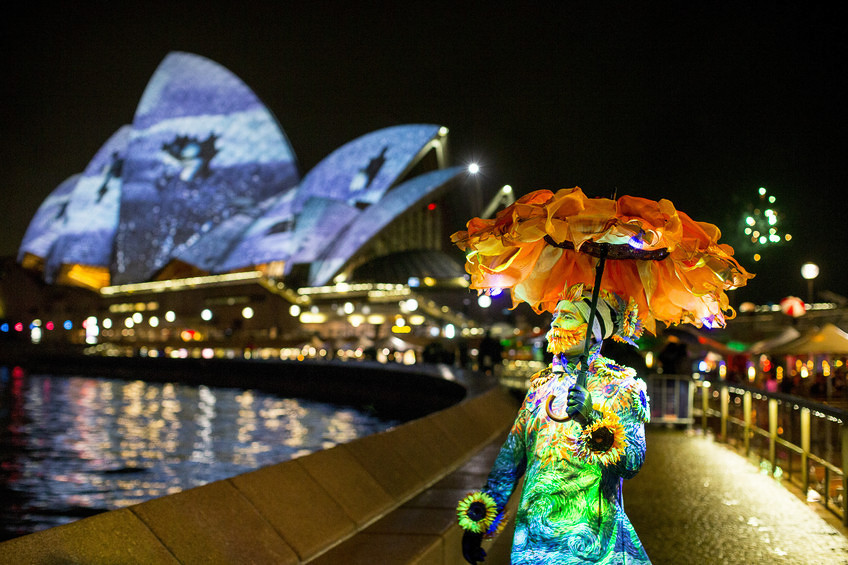 xVivid-Sydney-Opera-House.jpg.pagespeed.