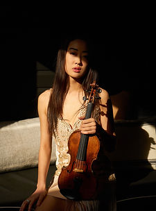 Yena Choi, amazing and talented violin player.