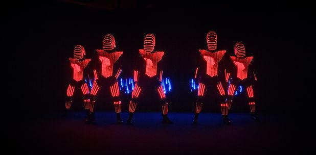 LED DANCERS_