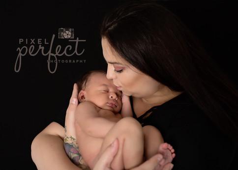 Royce Newborn-1.jpg