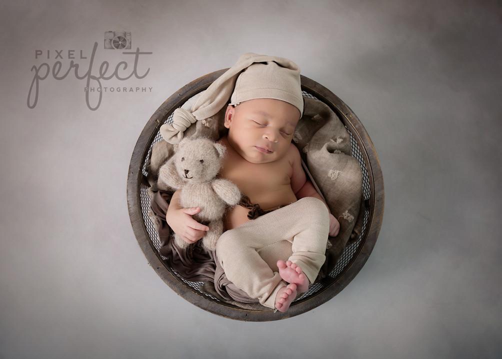 Royce Newborn-12.jpg