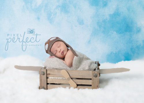 Royce Newborn-15.jpg