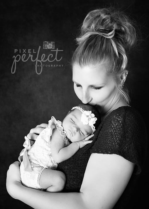Piper Newborn-11.jpg