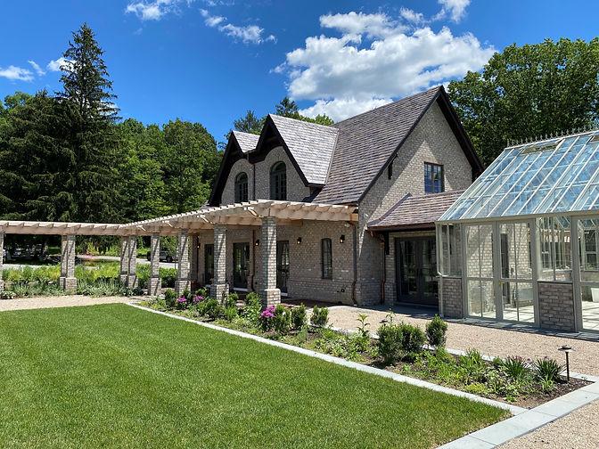 27 Cottage Front Askew 4.jpg