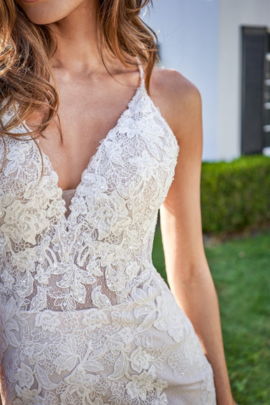 bridal-dresses-F221058-4.jpg