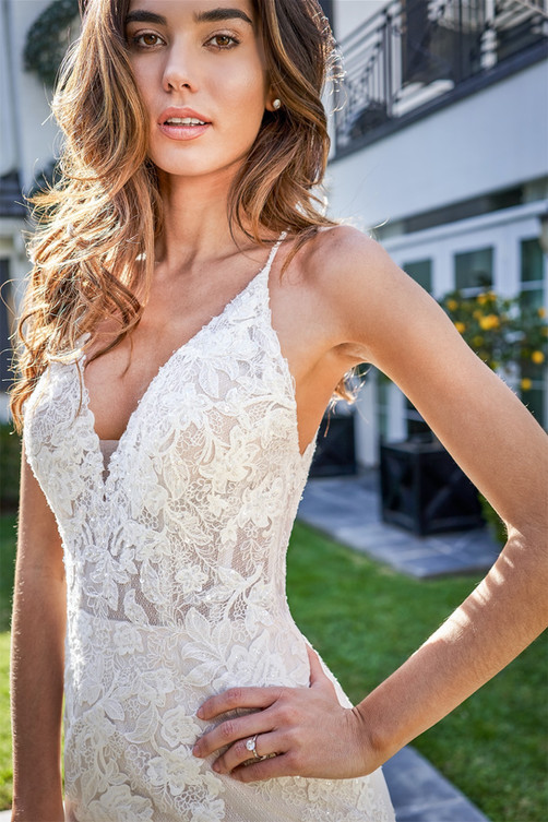 bridal-dresses-F221058-1.jpg