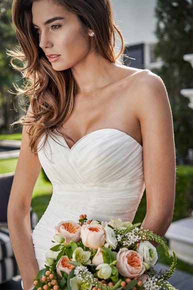 bridal-dresses-F221053-2.jpg