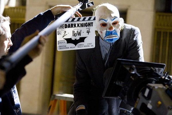 Dark-Knight-Behind-The-Scenes-Clown-Mask