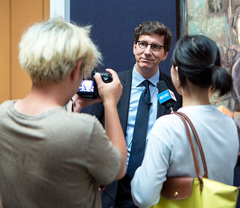 Paul-Gordon Chandler being interviewed by Chinese Press