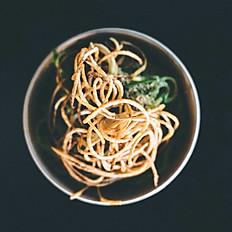Garlic broccoli, trapenese pest