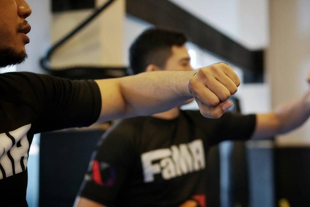 fama singapore muay thai kickboxing seminar kru jack boxing hook punch