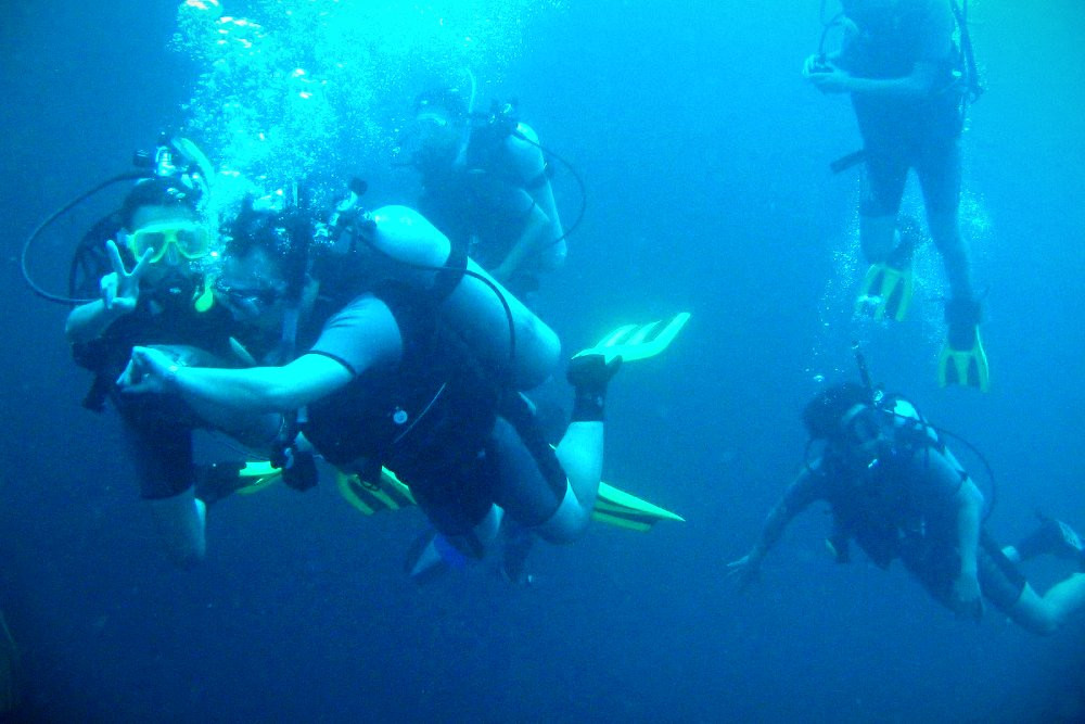 fama singapore assistant instructor tim scuba diving