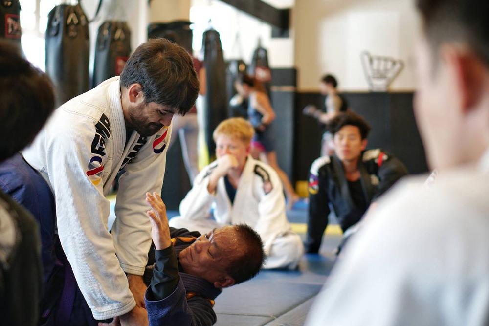 fama singapore brazilian jiu jitsu bjj class with professor thiago gaspary
