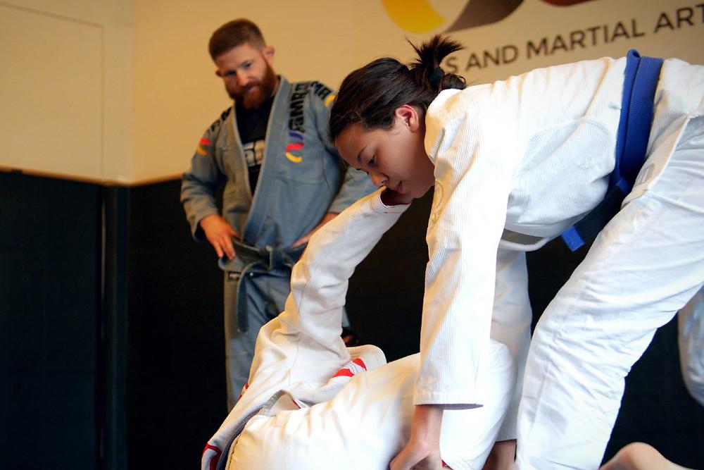 fama singapore youth brazilian jiu jitsu bjj kinaree adkins with professor robyn goudy