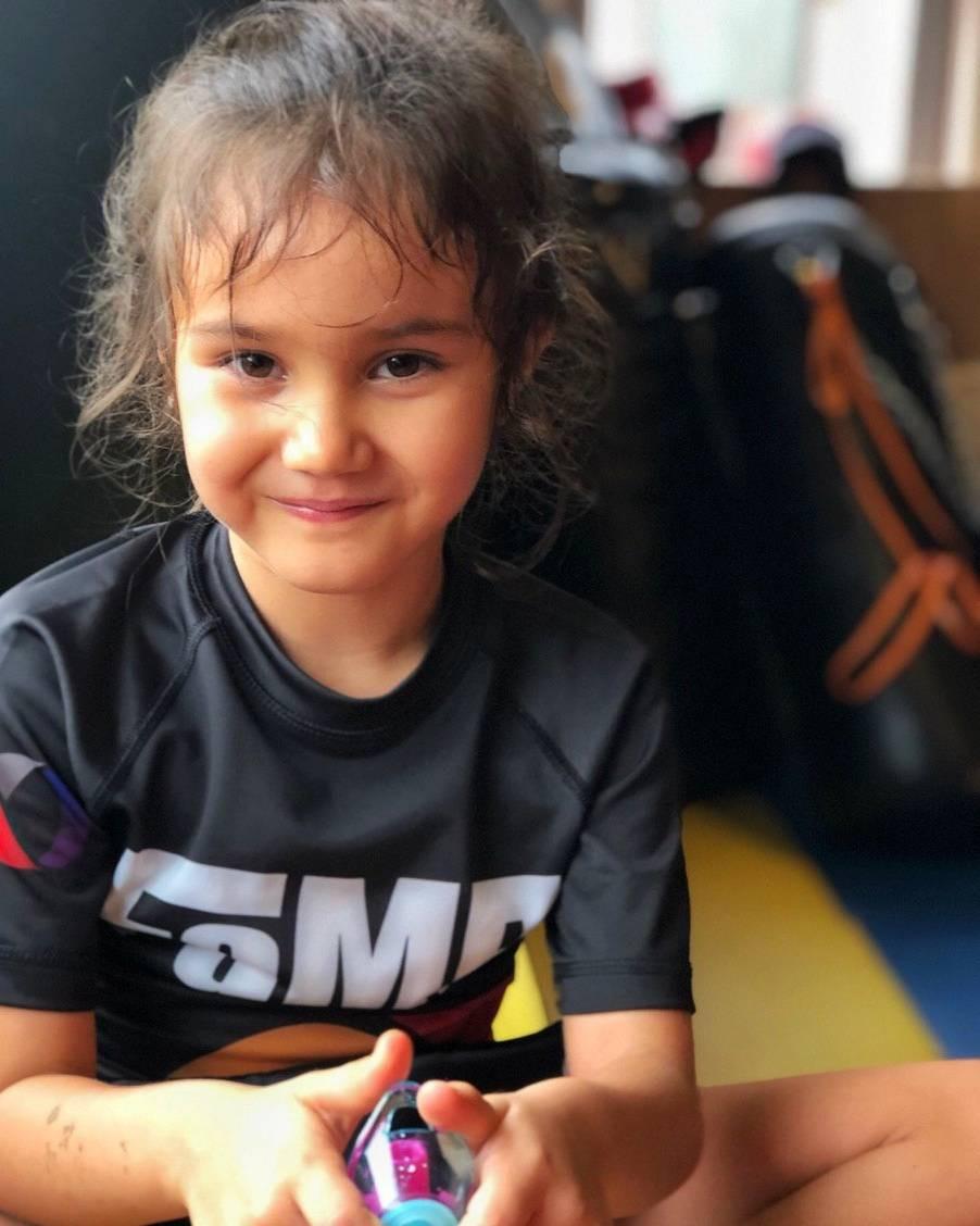 fama singapore kids martial arts girls muay thai self defence