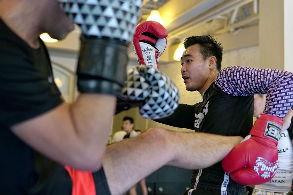 fama singapore muay thai seminar mon rungkiet catch kick