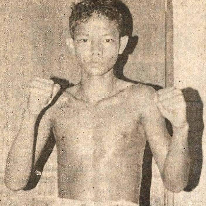 fama singapore muay thai instructors kru yo lamnammoon at age 13