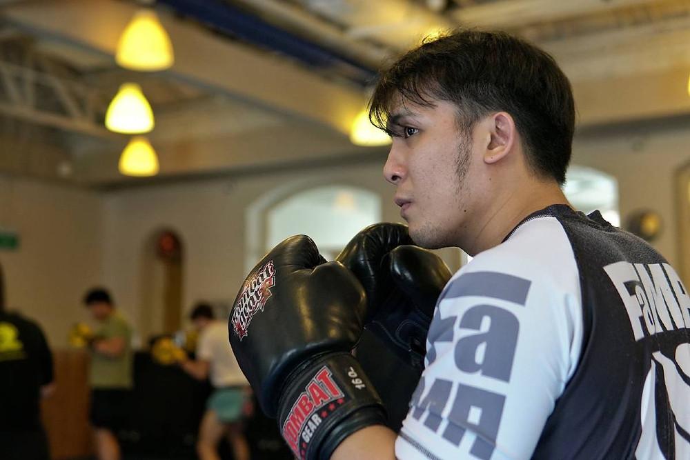 fama singapore muay thai boxing gloves