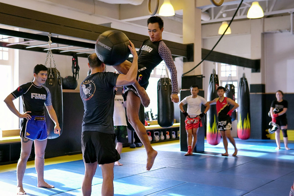 fama singapore muay thai seminar mon rungkiet flying knee