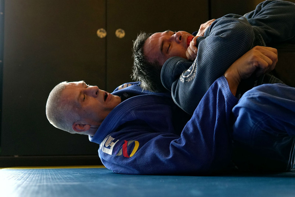 fama singapore bjj brazilian jiu jitsu grappling assistant instructor tomas genberg back control