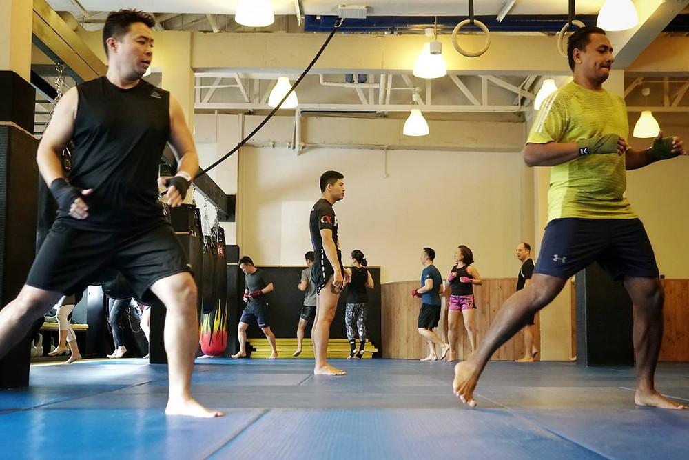 fama singapore muay thai kickboxing seminar kru jack boxing warming up