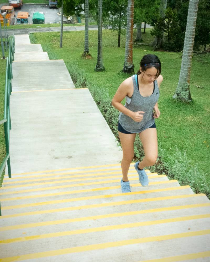 fama singapore assistant instructor kinaree running stairs
