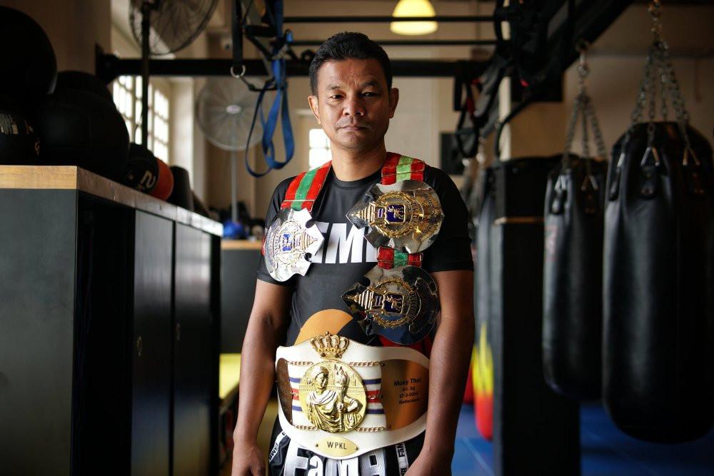fama singapore muay thai instructor kru yo lamnamoon 4 time lumpini world champion
