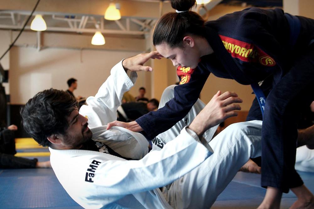 fama singapore youth brazilian jiu jitsu bjj kinaree adkins sparring with professor thiago gaspary