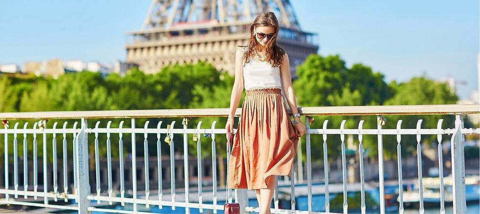 Girl posing by eiffel tower.jpeg