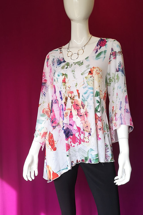 Round neck flowy floral top with sleeves