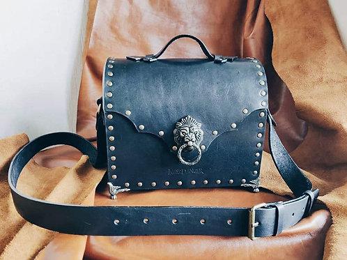 Cult Treasures chest bag