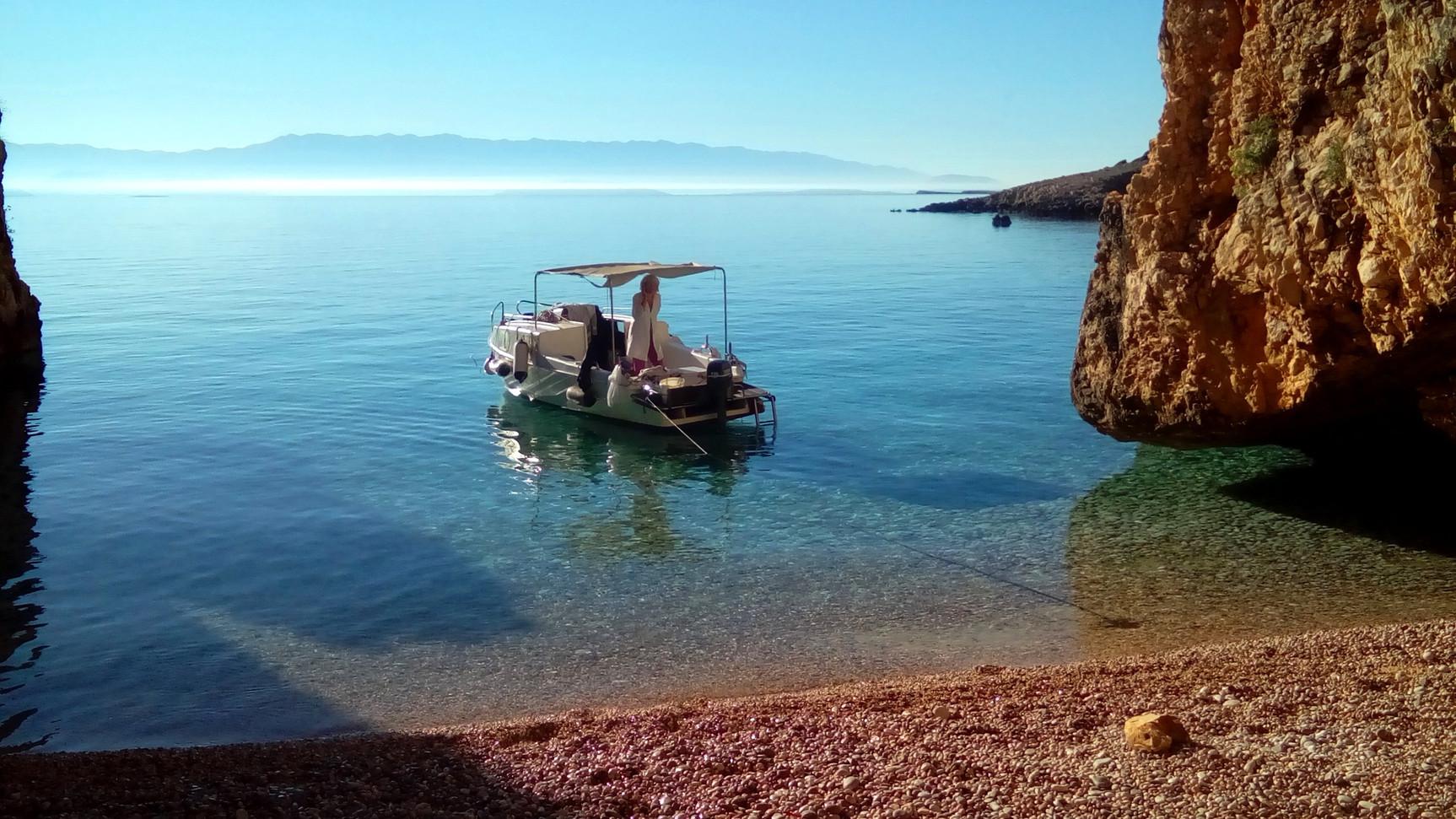 plavnik small beach 1