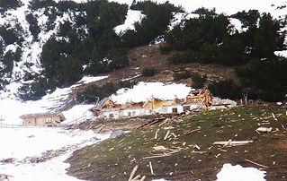 Durch eine Lawine im Winter 2009 wurde a