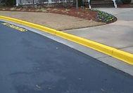 Yellow_street_road_curb_paint.JPG