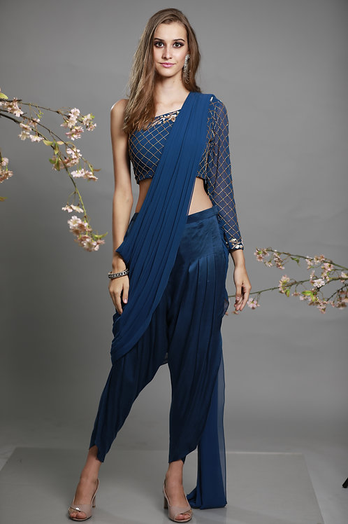 one shoulder blouse with lungi