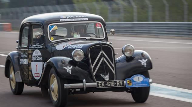 Le Tour Auto en Citroën Traction avant : les photos
