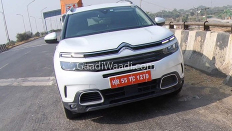 Le Citroën C5 Aircross aperçu en tests en Inde