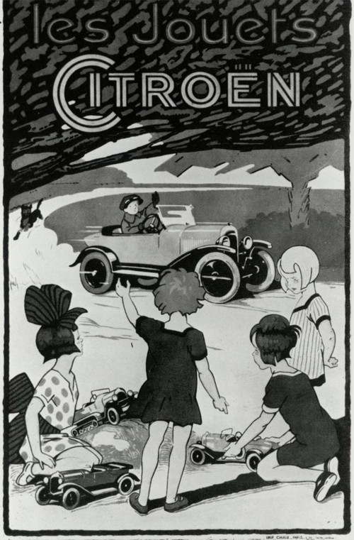 """André Citroën launched that year the manufacture of car toys, true copies of """"papa's car"""". First model: the Torpédo B2 10HP. Over 30,000 vehicles will be sold in the first ten years."""