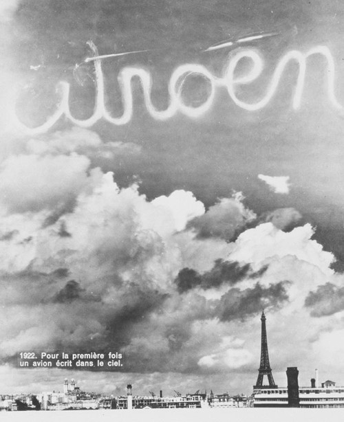 On October 12, Citroën inscribes its letters in the sky of Paris