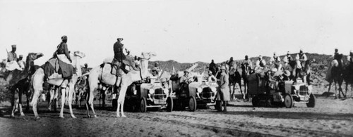 On December 17, 1922, Citroën went even further and launched the crossing of the Sahara with a round trip: Touggourt - Tombouctou - Touggourt. The crossing will last until March 1923