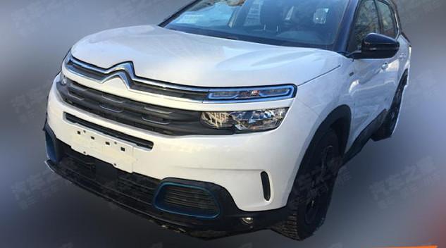 Le Citroën C5 Aircross hybride de nouveau surpris en Chine