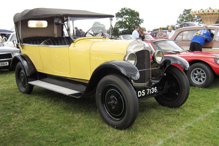 Le 12 Juillet 1921, Citroën présenté sa deuxième voiture, la B2.  Une version de la Type A plus puissante et plus avancée