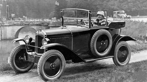 Le 1er Octobre 1922, Citroën présente une troisième voiture basée sur la Type A : La 5HP