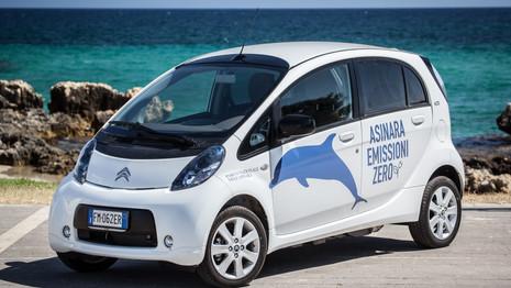 Quatre Citroën C-Zéro pour la parc Asinara en Italie