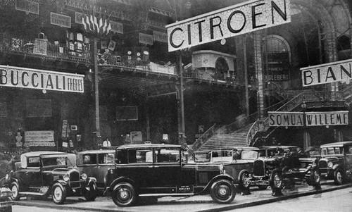 Le 28 Septembre 1926, Citroën présente sa B14, voiture de grande diffusion traitée comme une voiture de luxe. L'un des plus grands succès automobile de l'entre-deux-guerers. Mais aussi la B15 premier véhicule utilitaire français à cabine fermée.