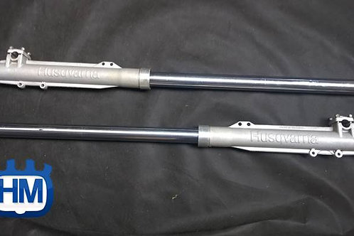 Pair new old stock front forks '83 CR250