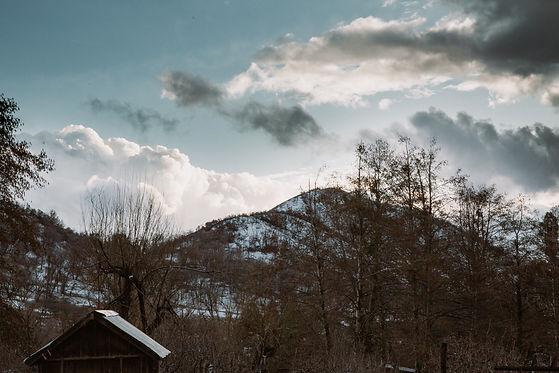Oak Glen sky and mountains